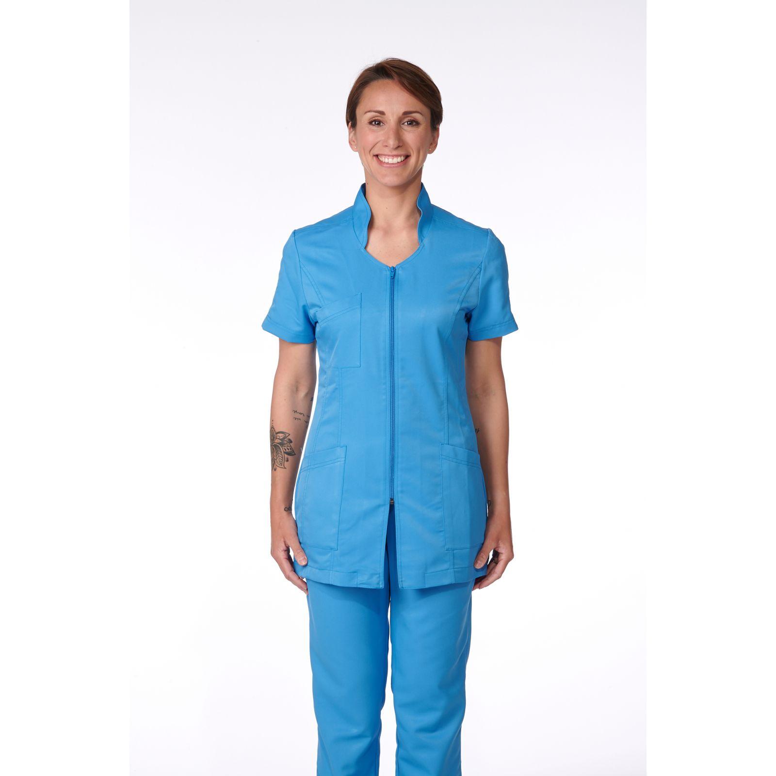 Blouse Médicale Femme, Sweety, couleur Bleu Santorin, vue de face, Camille Lavandie (2617)
