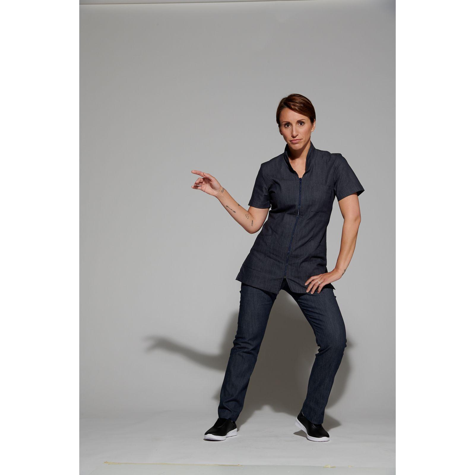 Blouse Médicale Femme Denim Uni, Trendy, couleur effet jean, vue de face, Camille Lavandie (2611)