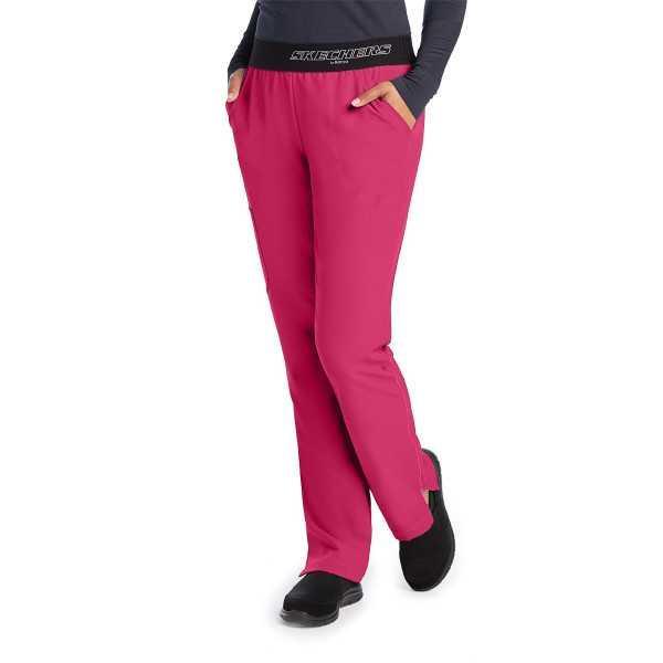 """Pantalon médical femme, couleur framboise vue de face, collection """"Skechers"""" (SK202-)"""