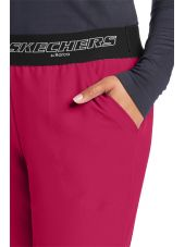 """Pantalon médical femme, couleur framboise vue détail, collection """"Skechers"""" (SK202-)"""