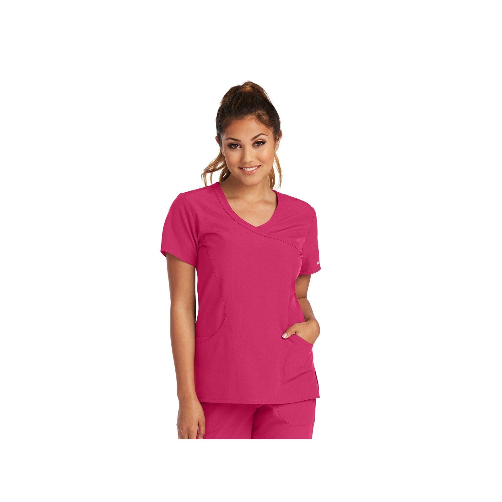 """Blouse médicale femme, couleur framboise vue de face, collection """"Skechers"""" (SK102-)"""