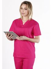 """Blouse médicale Femme, Dickies, poche cœur, Collection """"EDS signature"""" (83706), couleur fuchsia vue modèle"""