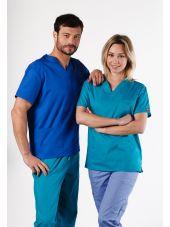 "Blouse médicale Col V Homme, Dickies, 2 poches, Collection ""EDS signature"" (86706), couleur bleu royal, vue modele"