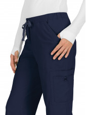 "Pantalon médical Femme Koi ""Holly"", collection ""Koi Basics"" (731-) bleu marine détail"