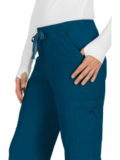 "Pantalon médical Femme Koi ""Holly"", collection ""Koi Basics"" (731-) vert caraibe détail"