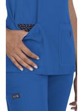"""Blouse médicale Femme """"Katie"""" Koi, collection """"Koi Basics"""" (374-) bleu royal vue détail"""