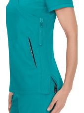 "Blouse médicale Femme Koi ""Philosophy"", collection ""Koi Lite"" (316-) teal blue détail"